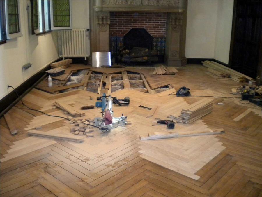 Chantier de rénovation de parquet ancien