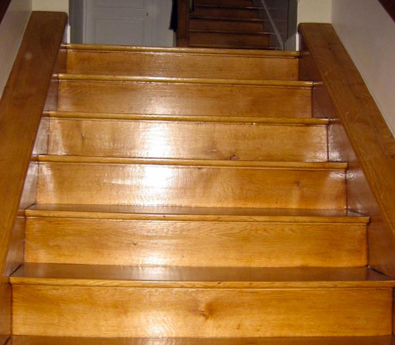 Pose de parquet dans les escaliers